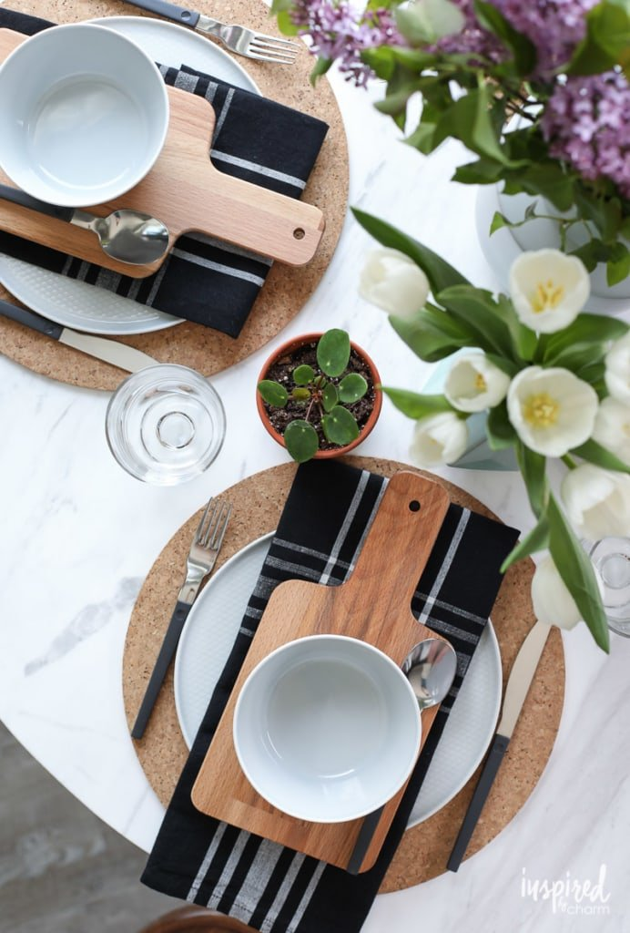 Nature-Inspired Table Setting, plus Decor Ideas for Indoor/Outdoor Living #table #setting #summer #spring #decor
