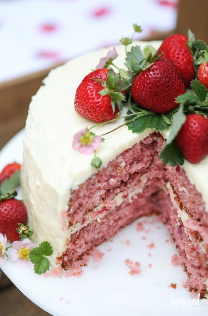 This Strawberry Coconut Cake is an easy to make dessert perfect for summer. #dessert #cake #strawberry #coconut