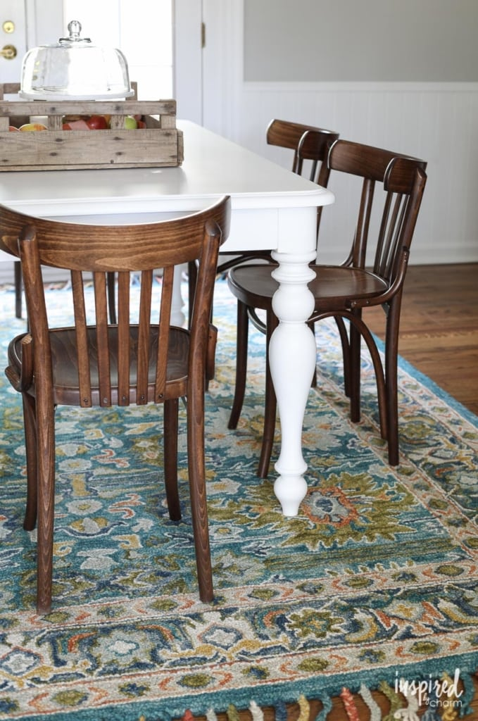 Choosing a run and a table for a dining room. #diningroom #decor #decorating #rug #table #moderncountrycolonial #colonial #modern
