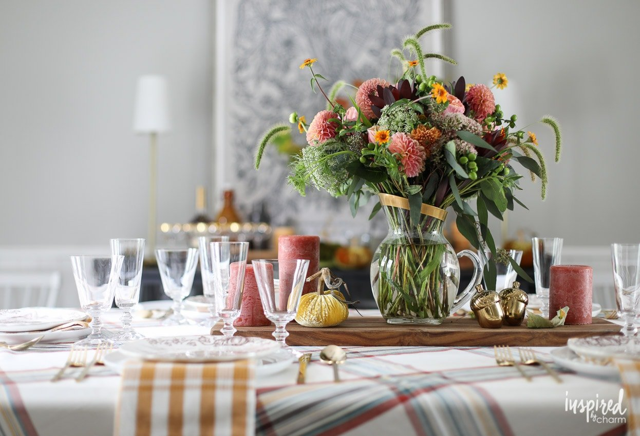 Stylish Fall Decor Ideas For Your Dining Room #fall #decorating #decor # Diningroom