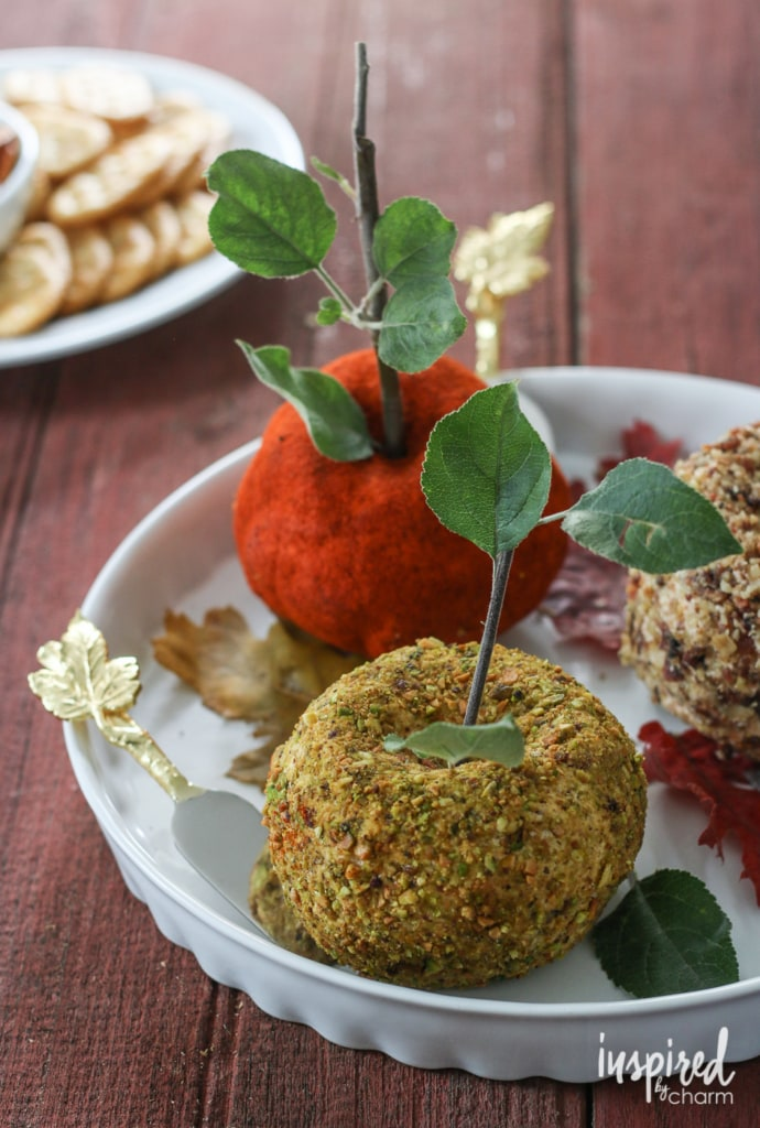 Easy Apple-Shaped Cheeseball appetizer recipe. #cheeseball #cheese #appetizer #snack #recipe #entertaining