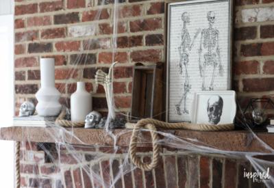 Skeleton Inspired Halloween Mantel Decor Ideas #halloween #decor #decorations #spooky #skeleton #mantel