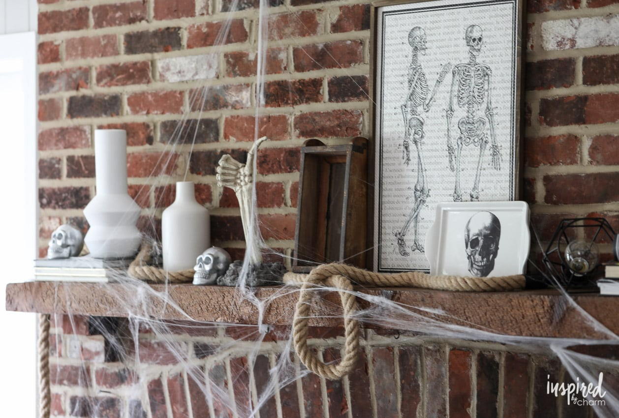 Skeleton Inspired Halloween Mantel Decor Ideas #halloween #decor #decorations #spooky #skeleton #mantel
