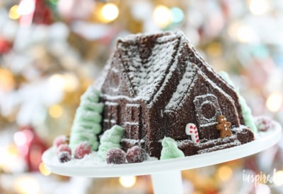 This Gingerbread House Gingerbread Cake is the perfect holiday treat! #dessert #holiday #christmas #gingerbread #recipe