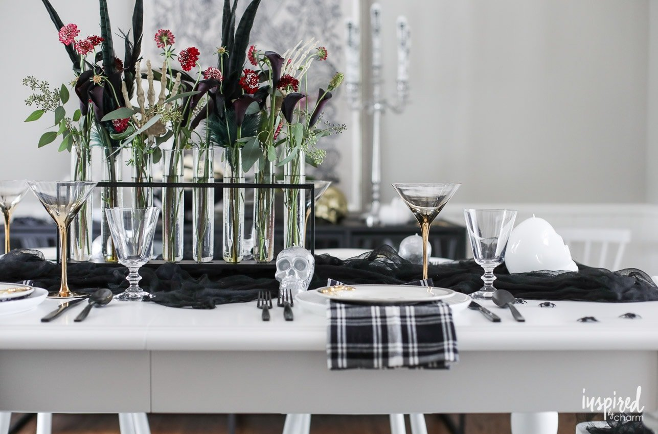 The Ultimate Spooky Chic Halloween Table Decorations Ideas