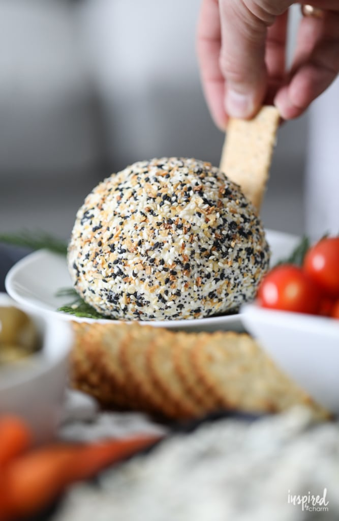 The Ultimate Everything Bagel Cheeseball recipe #cheeseball #holiday #recipe #appetizer #everythingbagel #cheese