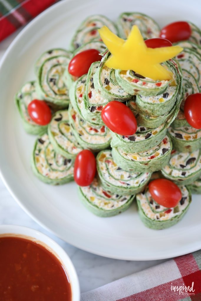 Christmas Tortilla Roll-ups Appetizer recipe #christmas #appetizer #pinwheel #rollup #recipe