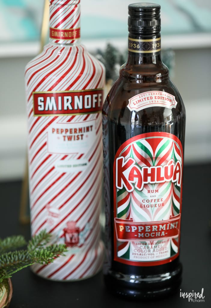 Peppermint White Russian Christmas cocktail recipe #christmas #holiday #cocktail #recipe #whiterussian #peppermint