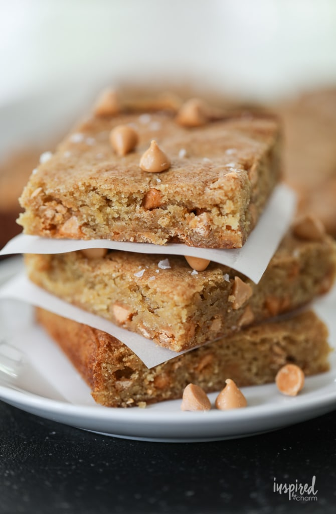 This Butterscotch Blondie Recipe is one of my favorites! You're going to love it too! #blondie #recipe #butterscotch #dessert #bars