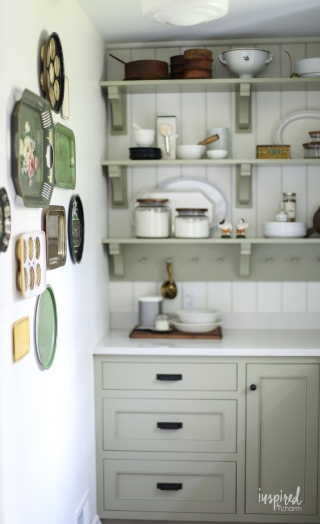 Bayberry Kitchen Remodel Reveal - Kitchen Makeover Kitchen Design #kitchen #makeover #remodel #traditional #modern #country #design #decorating