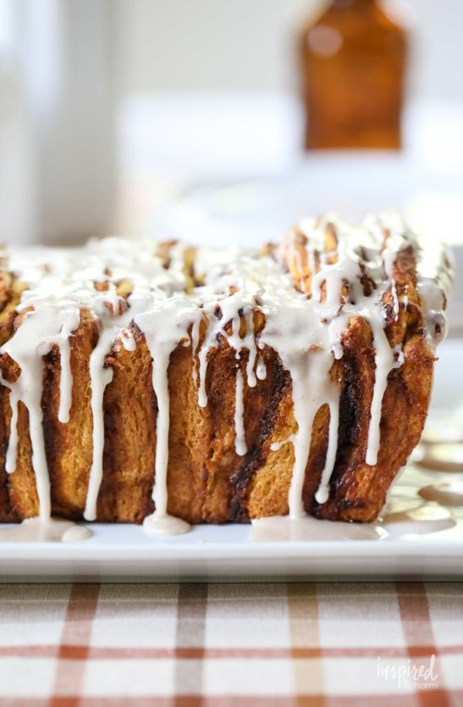 You'll love this delicious Pumpkin Pull-Apart Bread recipe! #pumpkin #pullapart #bread #loaf #pumpkinspice #dessert #recipe