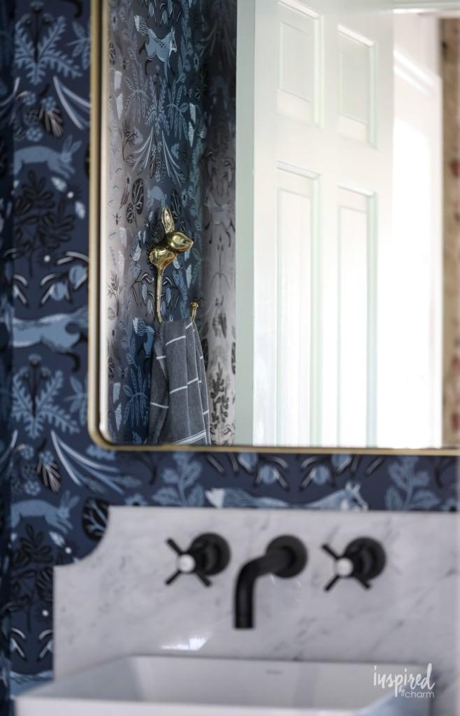 Powder Room Remodel Reveal #powderroom #bathroom #remodel #makeover #modern #country
