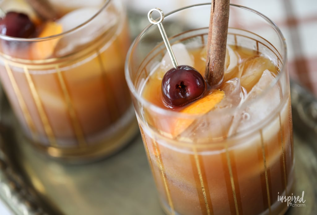 Pumpkin Old Fashioned Fall Cocktail Recipe #pumpkin #oldfashioned #cocktail #fall #recipe