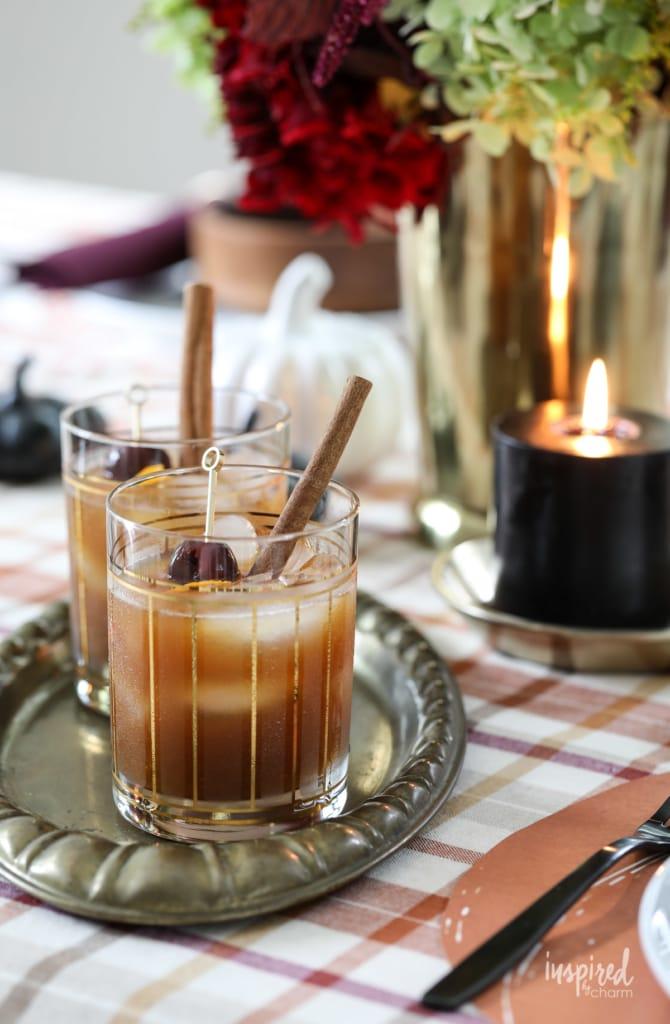 Pumpkin Old Fashioned Fall Cocktail Recipe #pumpkin #oldfashioned #cocktail #fall #recipe