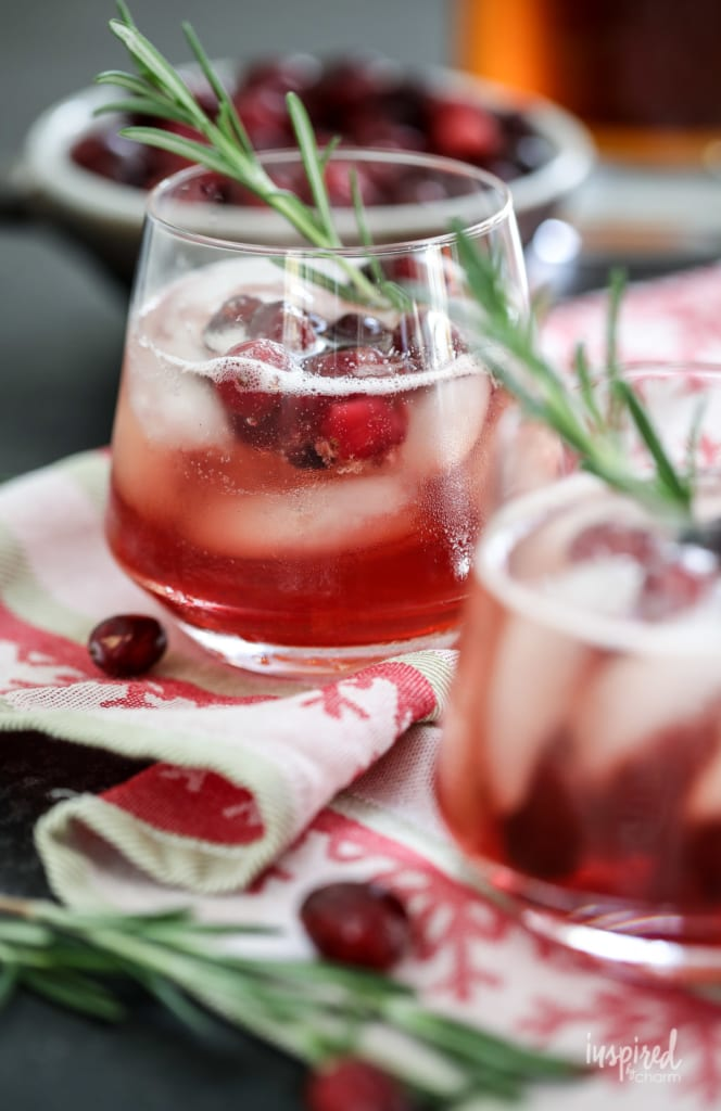 Maple Cranberry Bourbon Cocktail - Holiday / Christmas Cocktail Recipe #cranberry #bourbon #maple #holiday #chirstmas #cocktail #recipe