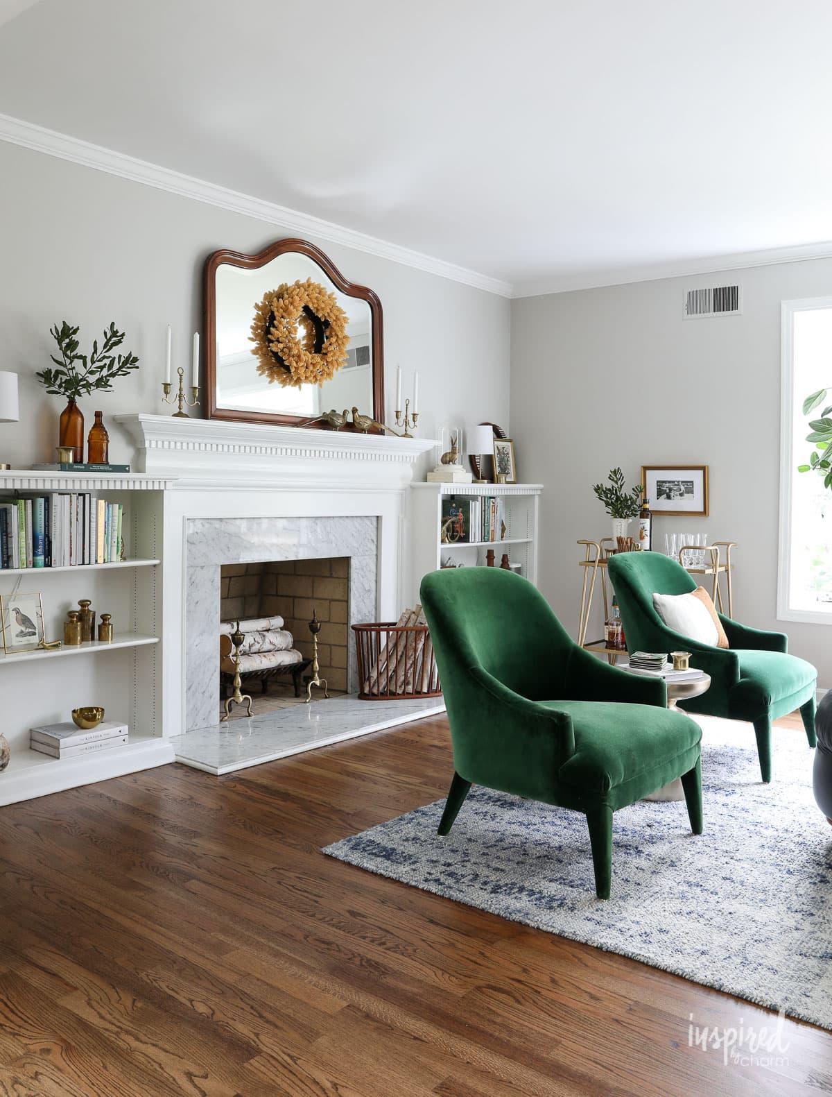 Living Room Autumn Decorations - Fall Decorating Ideas