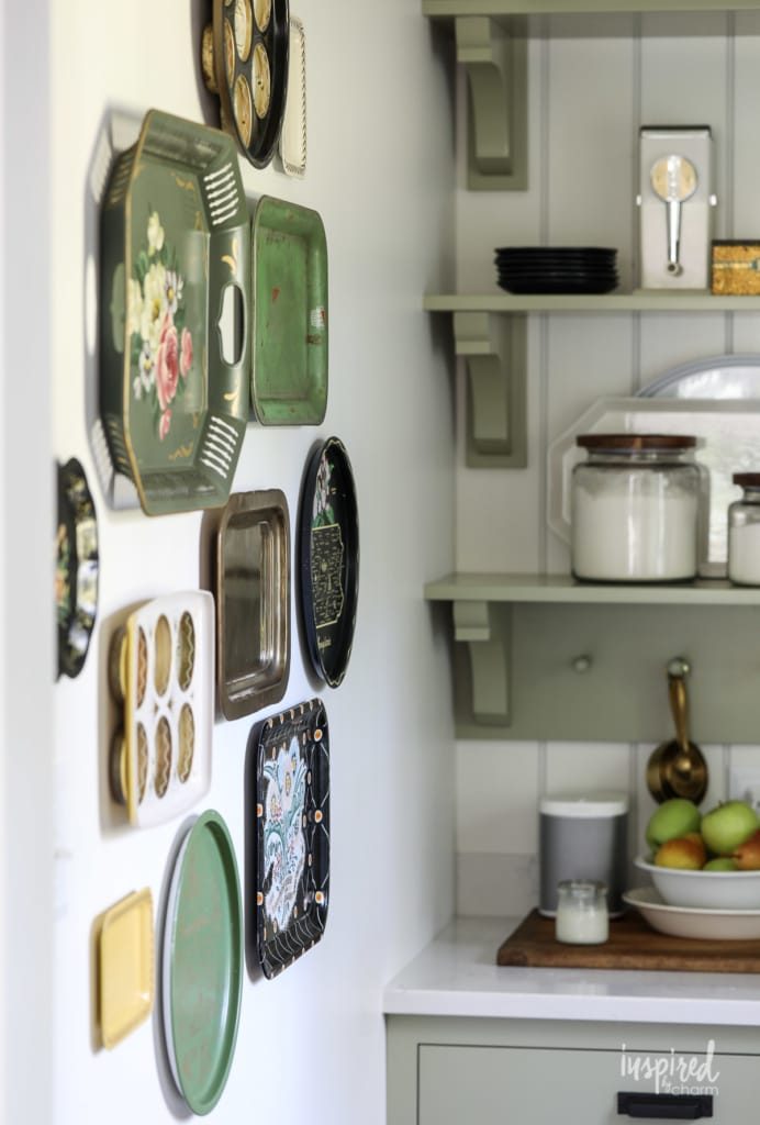 Vintage Metal Tray Gallery Wall #kitchen #decor #wall #decorating #idea #gallery #wall