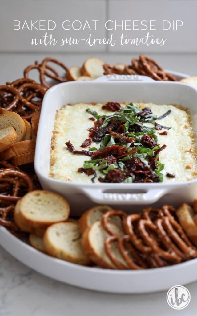 Delicious Baked Goat Cheese Dip with Sun-Dried Tomatoes #dip #recipe #baked #goatcheese #sundriedtomatoes #appetizer