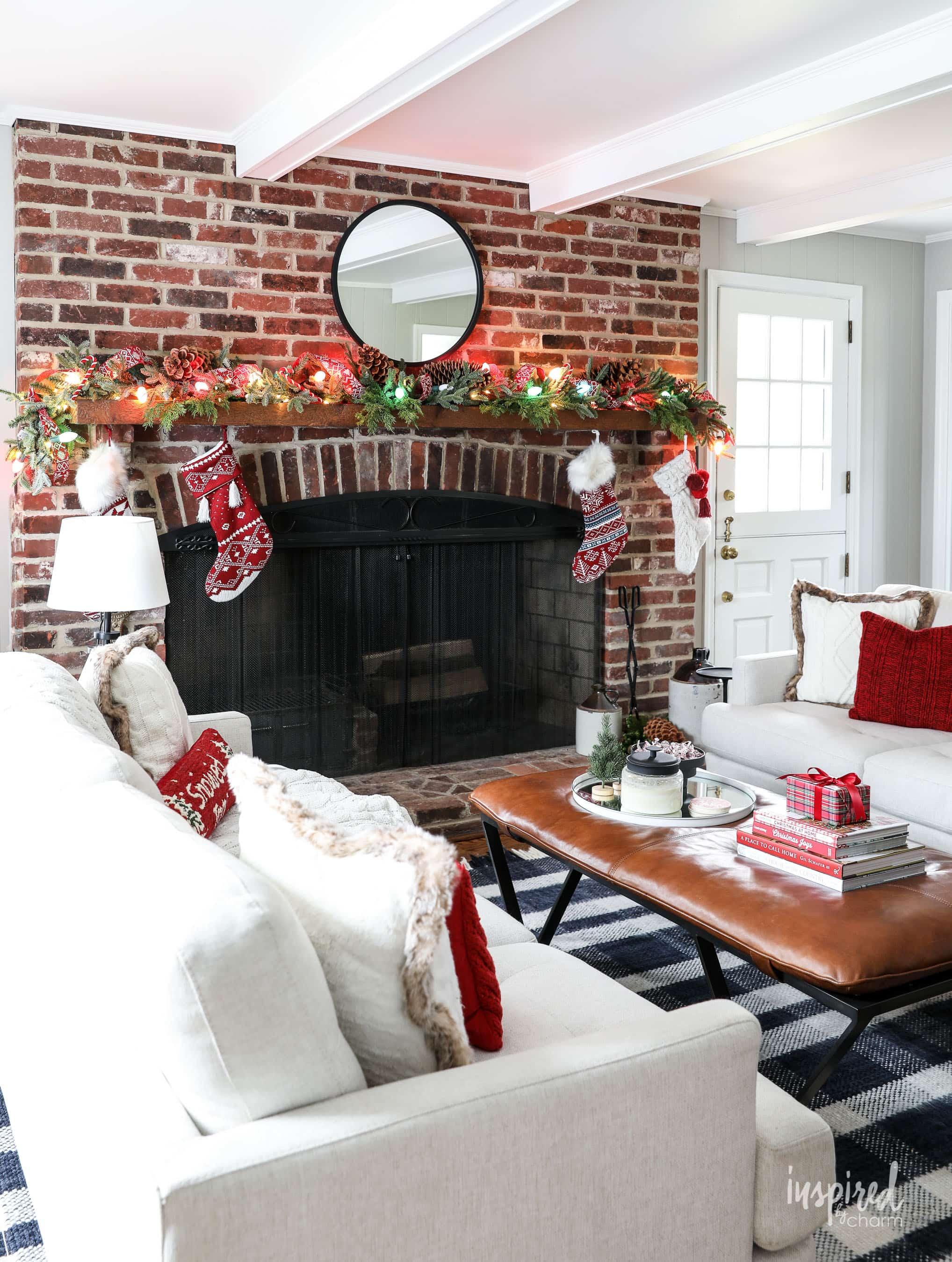 Family Room Christmas Decoration Ideas , Holiday Decor Tips
