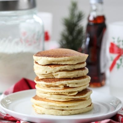 Learn how to make this easy and delicious Homemade Pancake Mix. #homemade #pancake #mix #breakfast #recipe #pancakes #gift #handmade